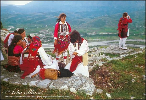 Albanija Shqiperia Albania Albanija Veshje popullore Grash (Dieber). Regional womwn's dresses (Dibra) by Morton1905 on Flickr